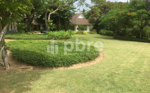 Large plot Land for sale in Ban Amphur, Pattaya Bay Real Estate