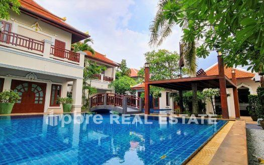 Luxury Pool Villa For Sale In East Pattaya, Pattaya Bay Real Estate