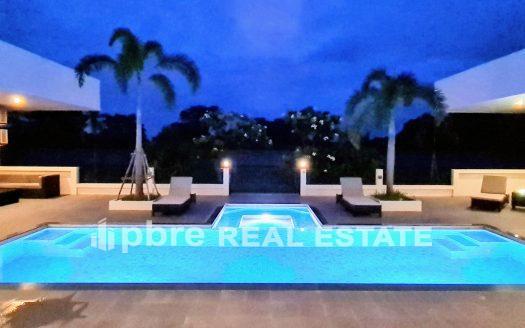 Luxury 5 Bedroom House for Sale in Khon Kaen, Pattaya Bay Real Estate