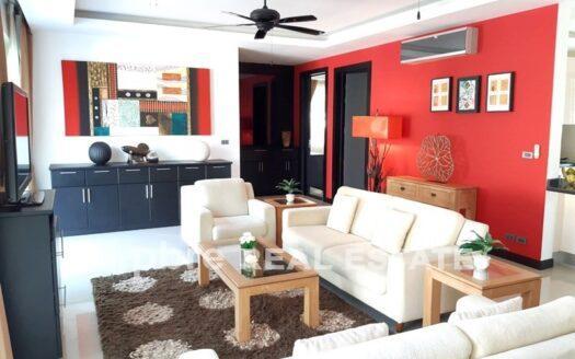 在东芭堤雅出售的 Marbprachan 别墅, Pattaya Bay Real Estate
